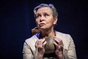 """Irena Dudzińska (zdjęcie ze spektaklu """"Dom Bernardy Alba"""") / fot. Bartłomiej Jan Sowa"""